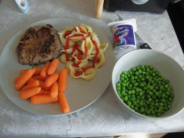Meal with carrots & peas | Nutrition Assessment Clinic